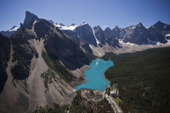 The mountain lake is located close to Lake Louise.