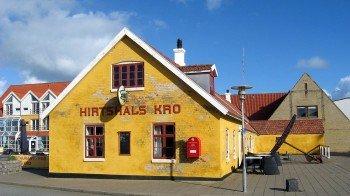 """Der Pub """"Hirtshals Kro"""" lädt neben vielen weiteren Gaststätten zur Einkehr"""