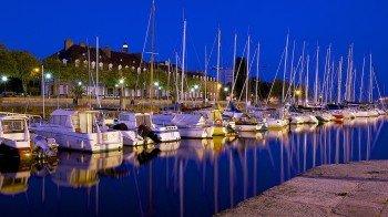 Der Sporthafen von Lorient am Ziel des Radwegs
