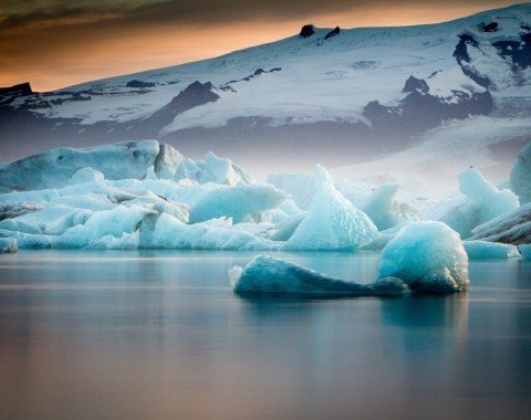 Stunning colours at the glacier lagoon