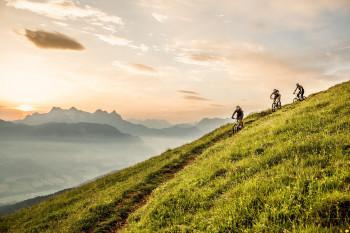 Im Skillpark lernst du, dich mit dem Mountainbike auf den Strecken am Berg sicher zu bewegen.