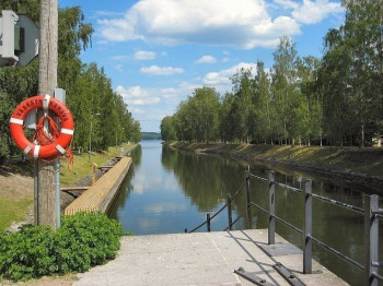 Vääksy canal is located on the loop as well.