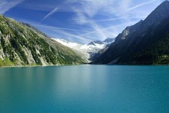 Der Schlegeisstausee ist insgesamt 725 m lang