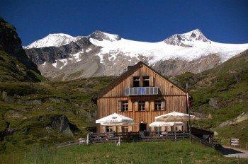 Die Johannishütte liegt auf über 2.000 Metern