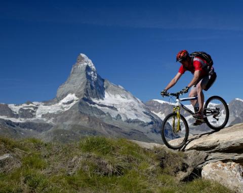 Auf der Tour hat man immer das Matterhorn im Blick