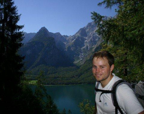 Descent from Königsbach alp towards Kessel pier.