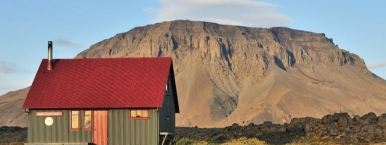 Þorsteinsskáli hut at the starting point
