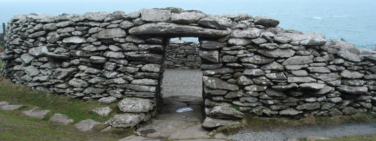 Entry to the fascinating Dunbeg Fort.