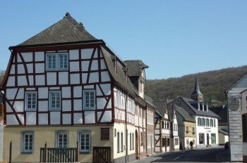 The main road of Bad Bodendorf is lined with half-timbered houses.