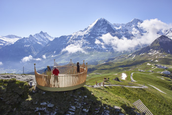 Hikers enjoy a dreamlike 360-degree view from the summit platform, which resembles a crown.