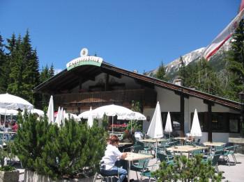 Vom Gasthaus Zugspitzblick hast du eine herrliche Aussicht.