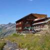Die Edmund-Graf-Hütte auf 2408 m