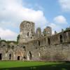 Start und Ziel der Tour ist die Abtei Villers