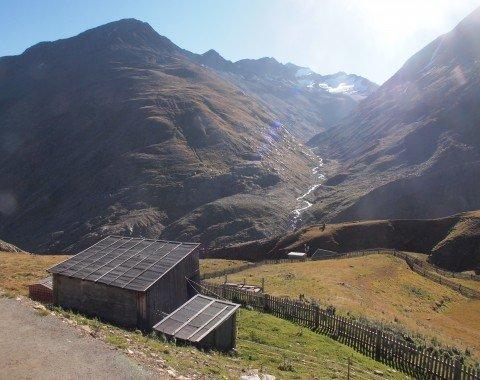 Bei schönem Wetter sollte solange wie möglich Rast auf der Martin-Busch-Hütte gemacht werden