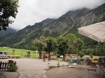 Spielmannsau mit Blick auf den weiteren Weg Richtung Kemptner Hütte