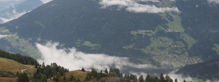 Wunderbare Aussicht vom Panoramaweg am Südhang des Venetberges