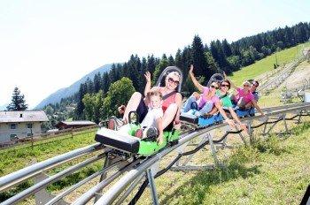 Spaß für Klein und Groß: Der Alpincoaster Lucky Flitzer