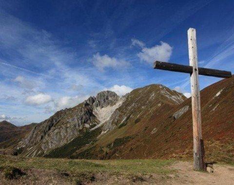 Das Gipfelkreuz des Draugsteintörl auf 2077m