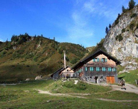 Die Tappenkarseehütte wird durch den hiesigen Alpenverein geführt