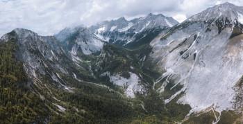 Imposante Bergwelt im Halltal