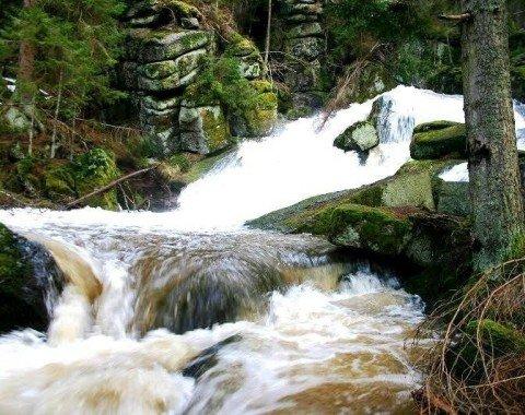 Nur nach der Schneeschmelze und nach Regenzeiten fließt das Wasser hier so stark
