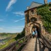Der Moselsteig führt dich auch zur historischen Burg Thurant bei Alken.