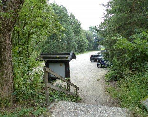 Der große Parkplatz am Anfang der Route in Fischhaus