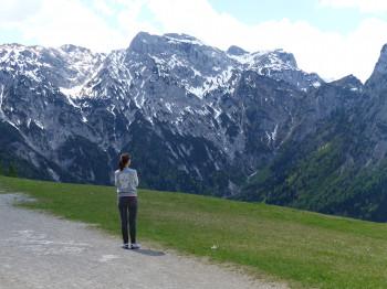 Der Blick auf die umliegenden Gipfel des Karwendelgebirges lässt die Herzen der Wanderfreunde höher schlagen.