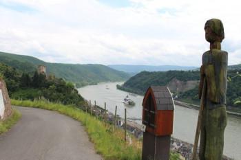 Die Etappe von St. Goarshausen nach Kaub gilt mit 22 Kilometern als die Königsetappe des Rheinsteigs.