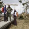 Am Kyrill-Pfad besichtigen Besucher die Schäden des Sturmes, der 2007 große Waldflächen in Südwestfalen zerstörte.