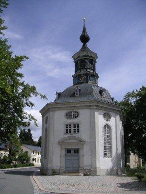 Die Trinitatiskirche in Carlsfeld
