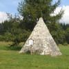 Kuriosität am Wegesrand: Die Nachbildung der Cheops-Pyramide