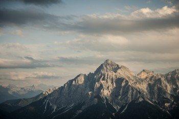 Der freistehende Gipfel der Serles ist besonders beeindruckend