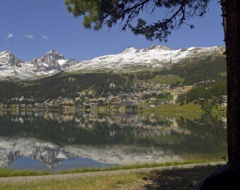 Blick von der Meierei auf St. Moritz