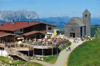Mittagessen mit Panoramablick: das Gipfelrestaurant auf der Hohen Salve