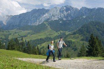 Das imposante Kaisergebirge ist eine beliebte Wanderregion in Tirol.