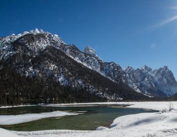 Der Toblacher See im Winter