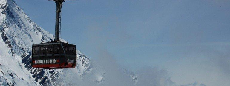 Die Seilbahn bringt dich in 20 Minuten auf den Gipfel.