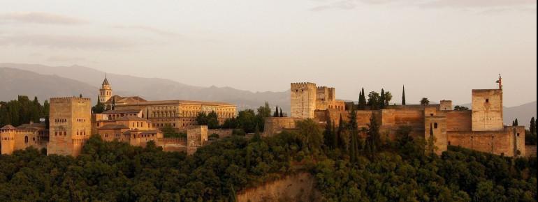 Blick auf die imposante Burg