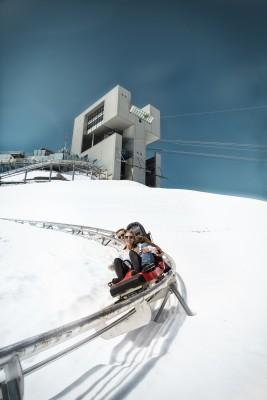 Der Alpine Coaster ist die höchste Rodelbahn der Welt.