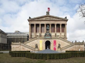 Die Alte Nationalgalerie zeigt eine Sammlung von Kunstwerken des 19. Jahrhunderts.