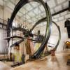 Die 13 Meter hohen Wasserräder drehen sich unentwegt seit über 170 Jahren.