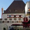 Das Rathaus befindet sich im sogenannten Königshaus.