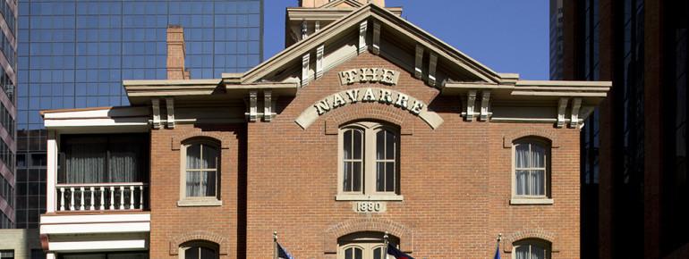 Frontansicht des historischen Navarre Gebäudes aus dem Viktorianischen Zeitalter.