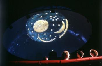 Das Planetarium ist Höhepunkt eines jeden Arche-Nebra-Besuchs.