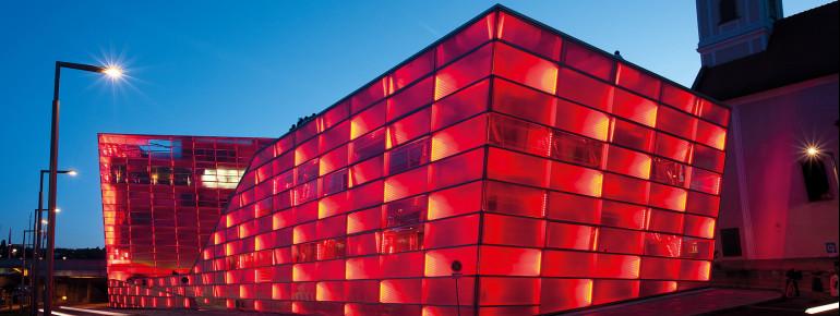 Das Ars Electronica Center ist auch architektonisch reizvoll.