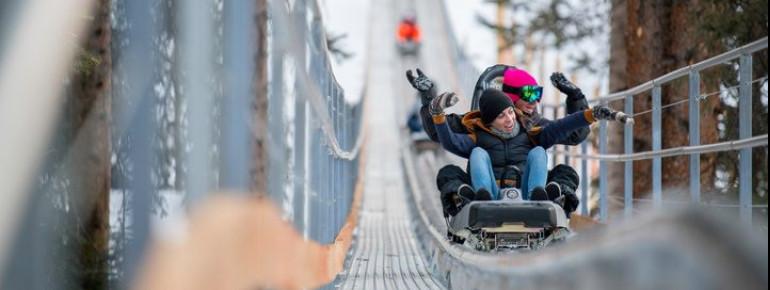 45 km/h, 400 Höhenmeter, knapp 2 km Länge - der Breathtaker Alpine Coaster in Aspen garantiert jede Menge Spaß und Adrenalinkicks.