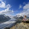Genieße den Blick über den Aletschgletscher und tanke Kraft am Eggishorn.