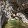Der Weg durch die Klamm führt über Leitern, Brücken und Felstreppen.