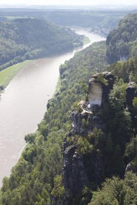 Schöne Ausblicke gibt es auch auf die Elbe.